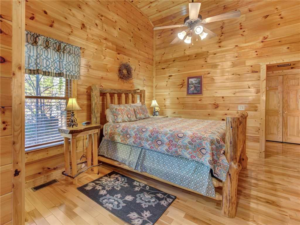Photo of a Sevierville Cabin named Makin Memories - This is the seventeenth photo in the set.
