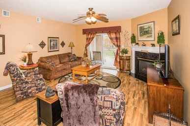 Granite, Recliners, King Beds, Walk To The Island, Dollywood Ticket