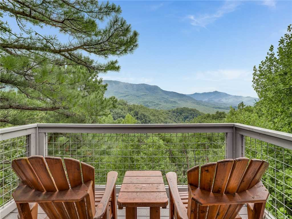 Photo of a Gatlinburg Cabin named Angels View - This is the second photo in the set.