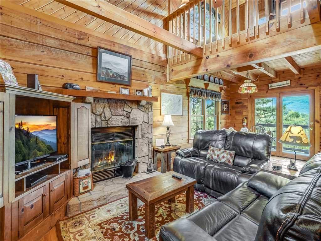 Photo of a Gatlinburg Cabin named Angels View - This is the first photo in the set.