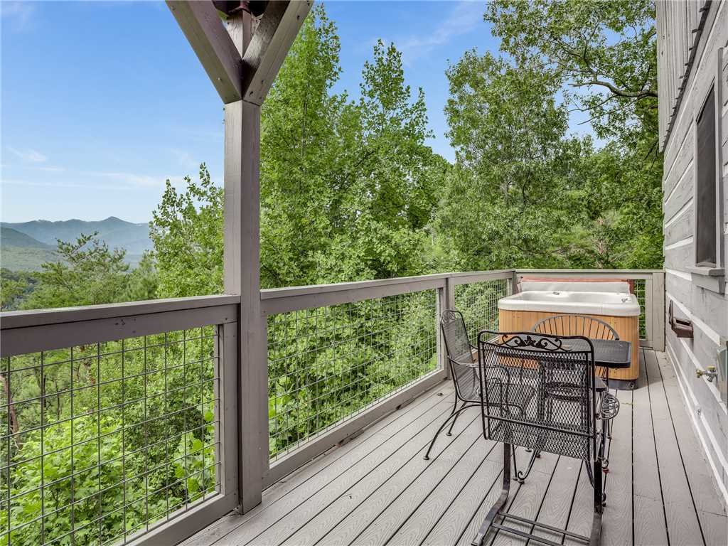 Photo of a Gatlinburg Cabin named Angels View - This is the thirty-third photo in the set.