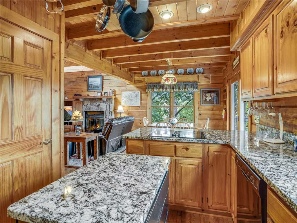 Photo of a Gatlinburg Cabin named Angels View - This is the twelfth photo in the set.