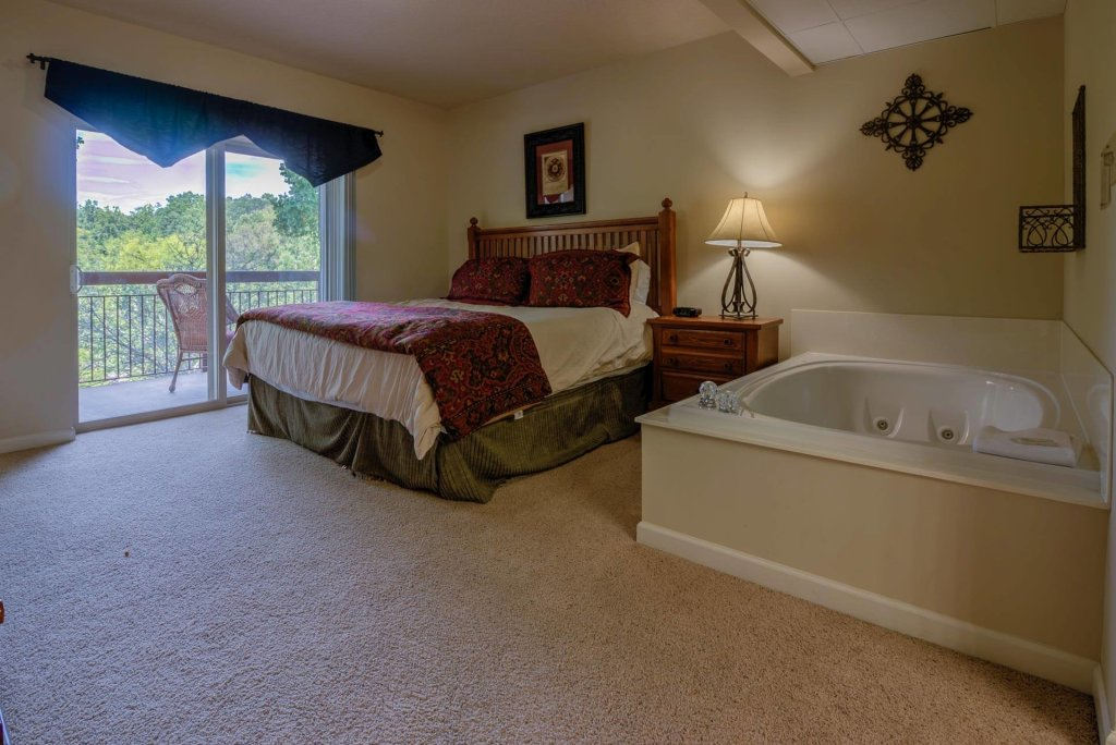 Photo of a Pigeon Forge Condo named Cedar Lodge 405 - This is the ninth photo in the set.