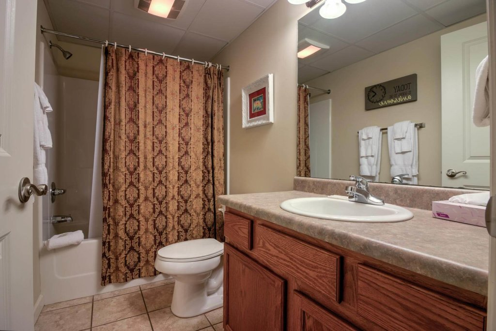 Photo of a Pigeon Forge Condo named Cedar Lodge 405 - This is the fifteenth photo in the set.