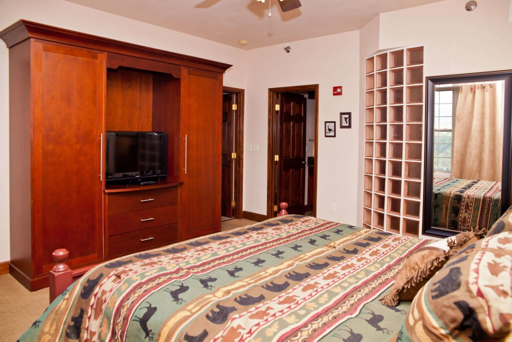 Photo of a Pigeon Forge Condo named Big Bear Resort 3002 - This is the tenth photo in the set.