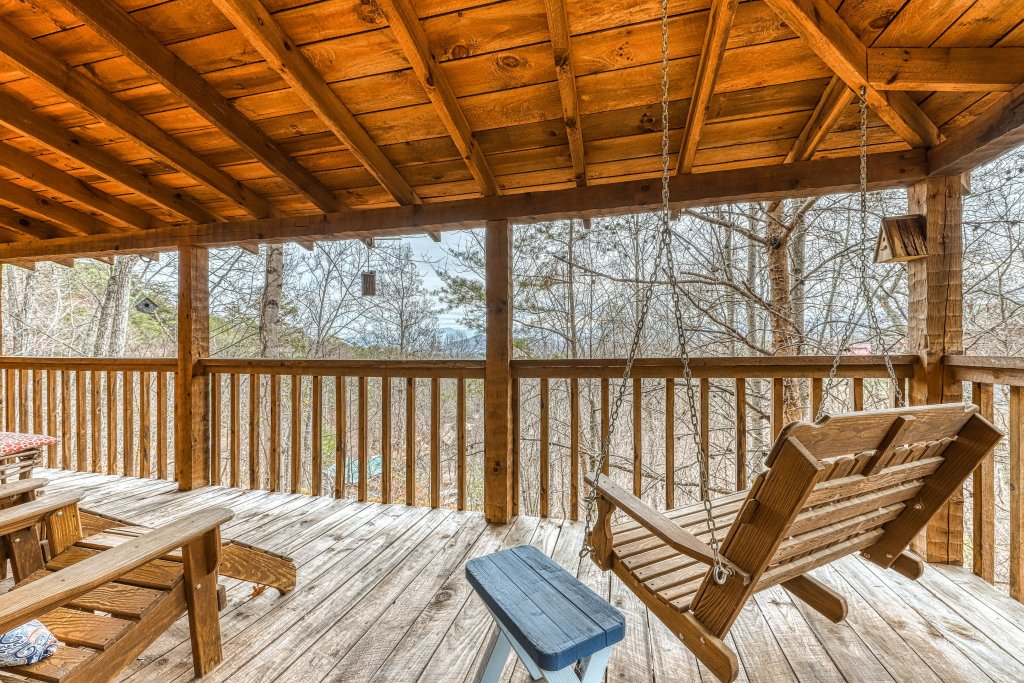 Photo of a Sevierville Cabin named Black Bear's Bluff - This is the fifth photo in the set.