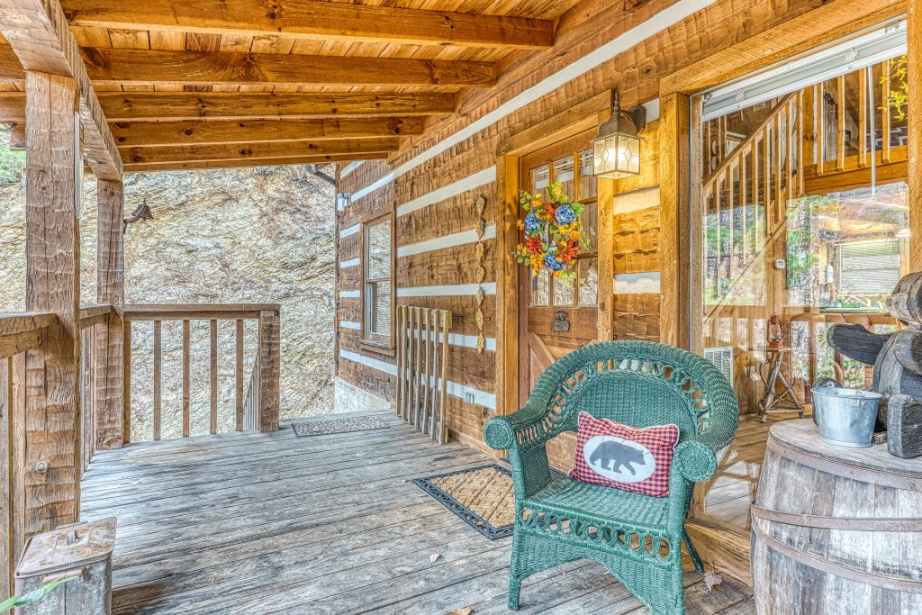 Photo of a Sevierville Cabin named Black Bear's Bluff - This is the twenty-eighth photo in the set.