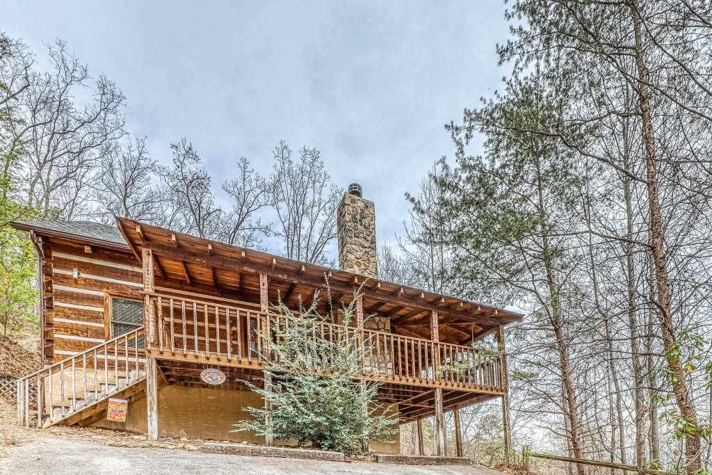 Photo of a Sevierville Cabin named Black Bear's Bluff - This is the thirty-second photo in the set.
