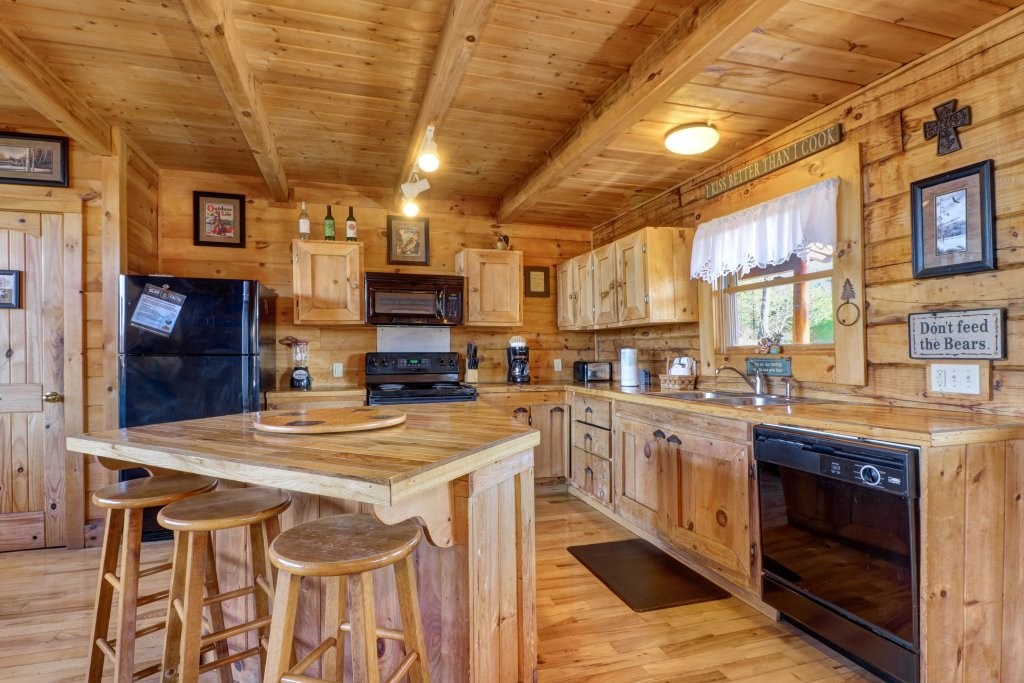 Photo of a Sevierville Cabin named Majestic View - Main Home - This is the sixth photo in the set.