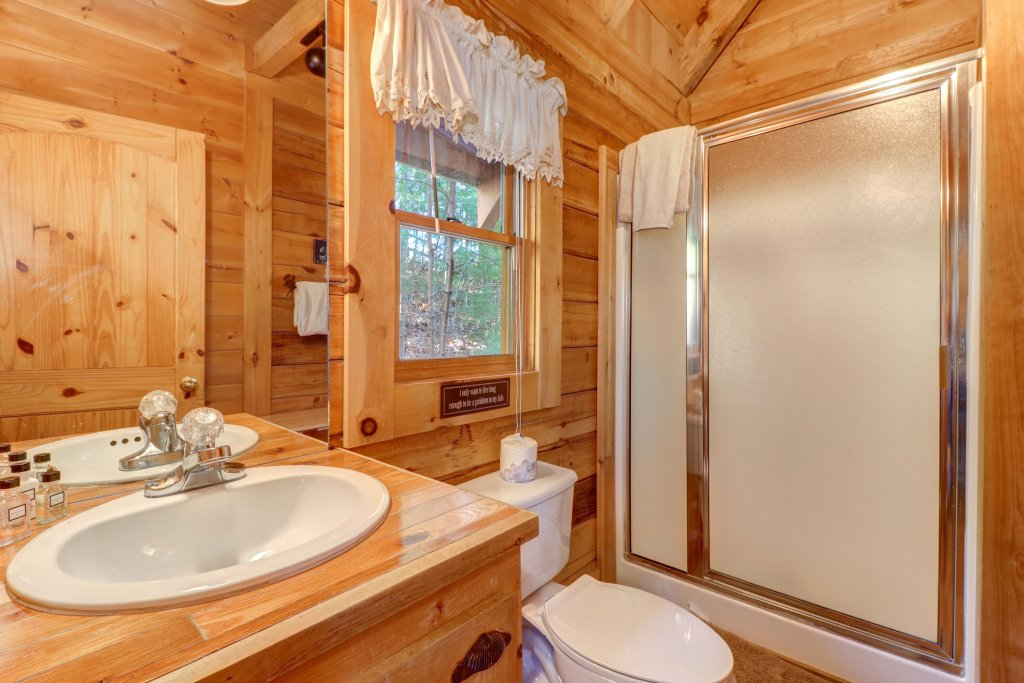Photo of a Sevierville Cabin named Majestic View - Main Home - This is the thirty-first photo in the set.