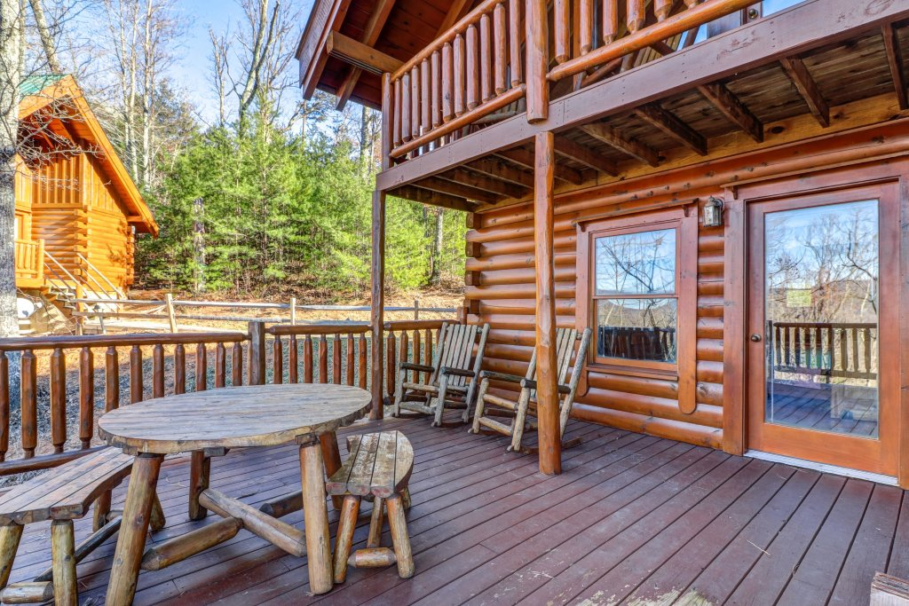 Photo of a Sevierville Cabin named Majestic View - Main Home - This is the thirty-third photo in the set.