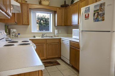 Downtown 2 Br, Virtual Arrival/departure, Clean, Free Night Specials
