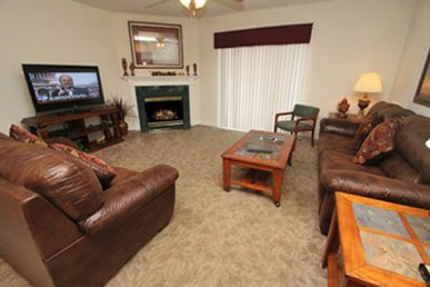 4 Br, Sleeps 11, Balcony, Close To Shopping & Restaurants, Free Dollywood Tkt