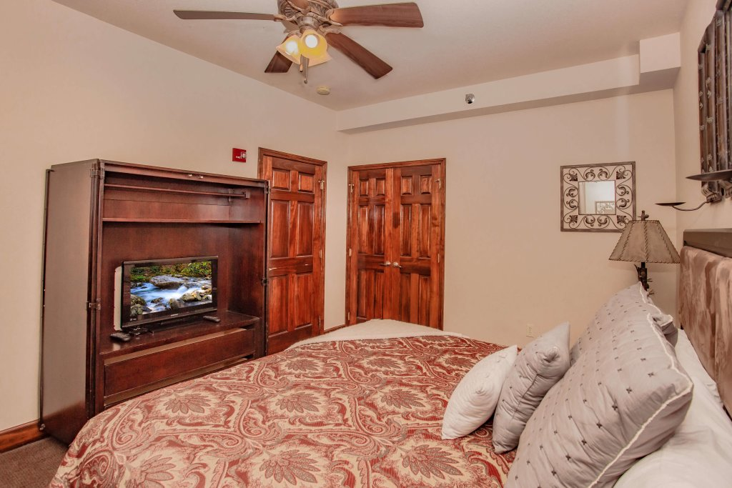 Photo of a Pigeon Forge Condo named Big Bear Resort 4005 - This is the sixteenth photo in the set.
