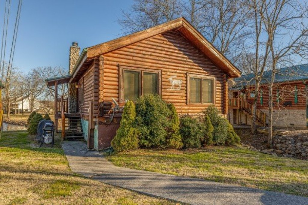 Photo of a Pigeon Forge Cabin named Gone Fishin' - This is the third photo in the set.