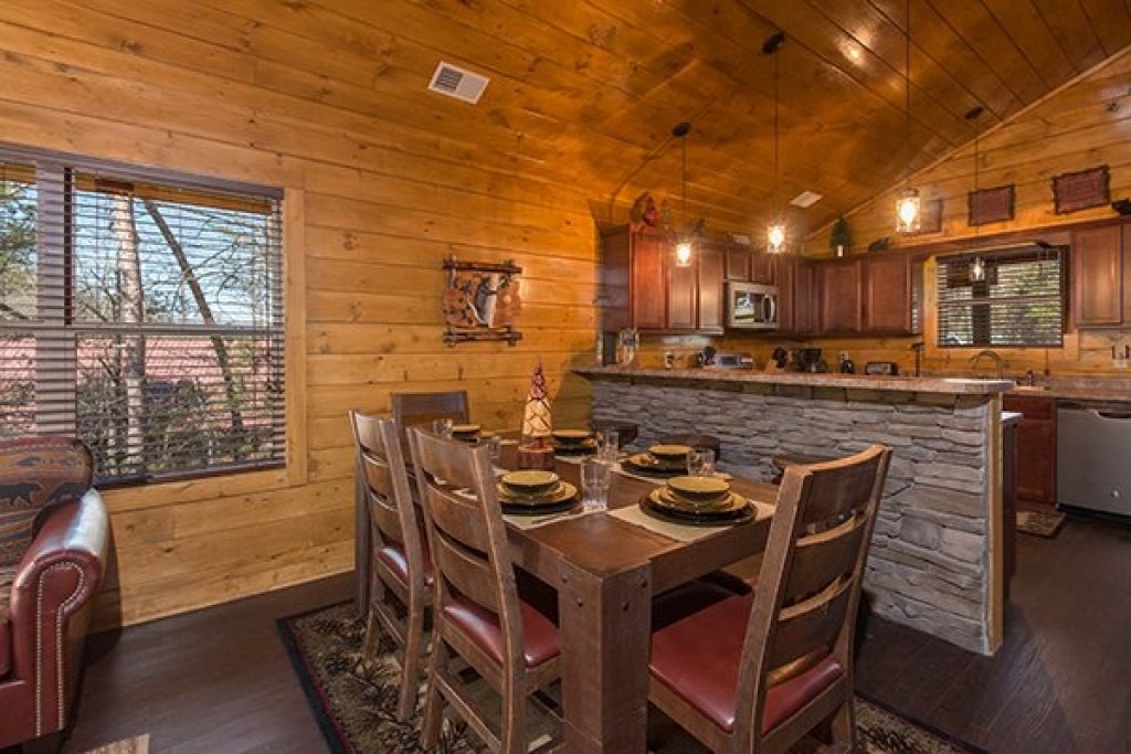 Photo of a Pigeon Forge Cabin named Endless Memories - This is the fifth photo in the set.