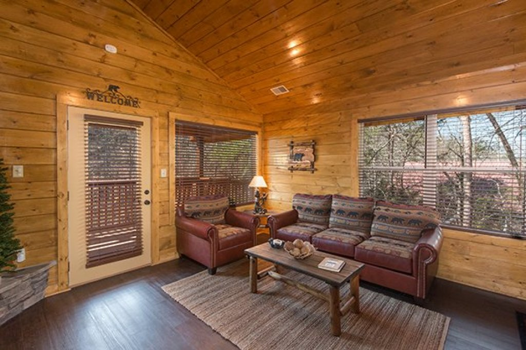 Photo of a Pigeon Forge Cabin named Endless Memories - This is the fourth photo in the set.