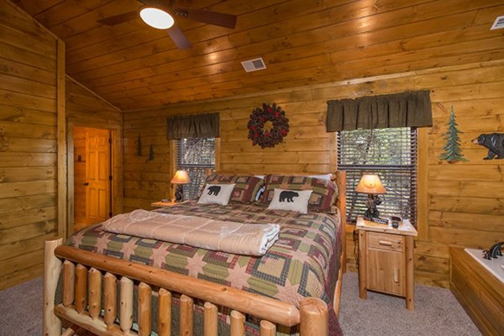 Photo of a Pigeon Forge Cabin named Endless Memories - This is the seventh photo in the set.