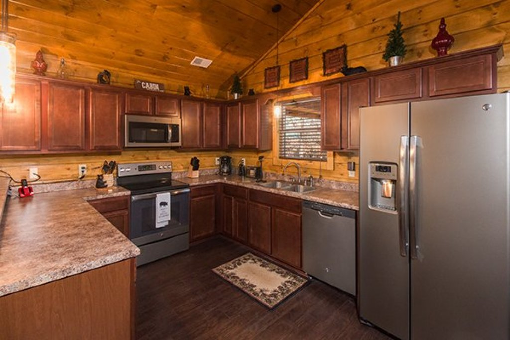 Photo of a Pigeon Forge Cabin named Endless Memories - This is the sixth photo in the set.