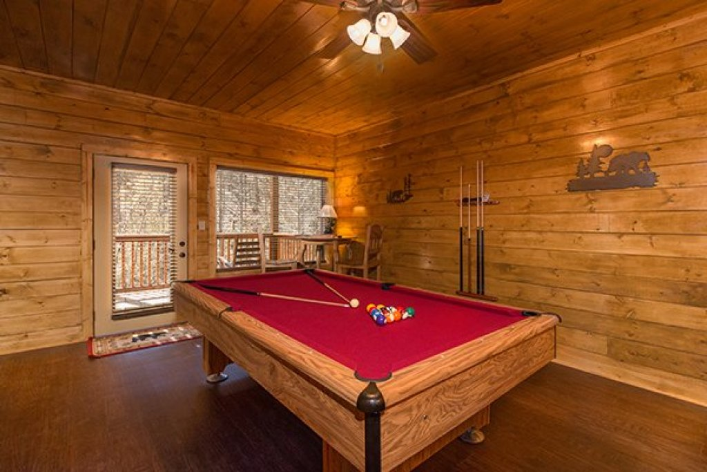Photo of a Pigeon Forge Cabin named Endless Memories - This is the fifteenth photo in the set.
