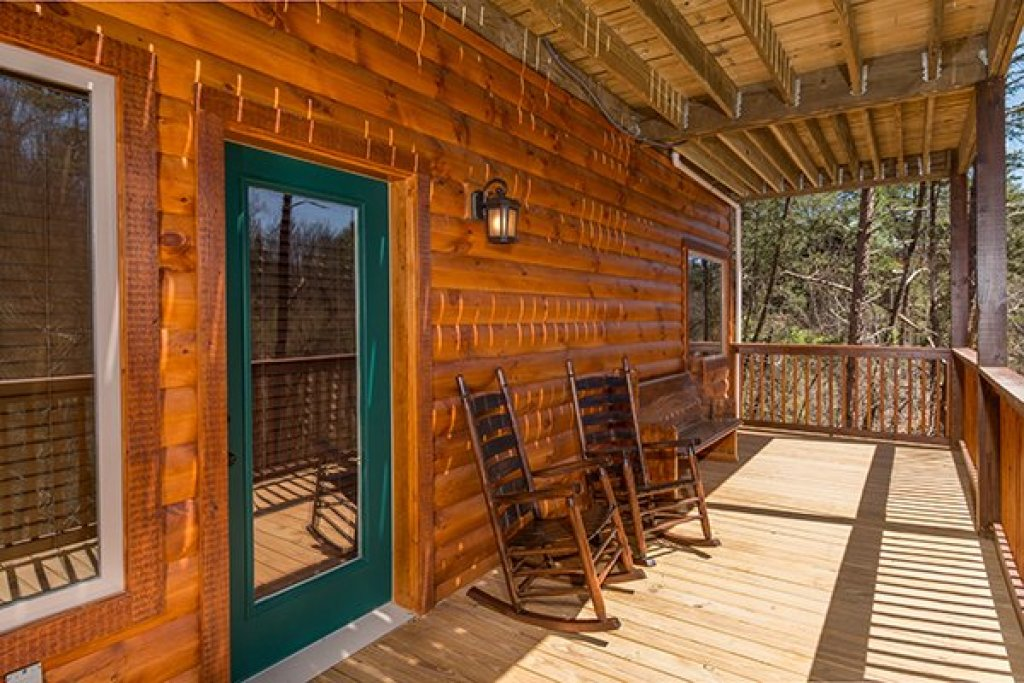 Photo of a Pigeon Forge Cabin named Endless Memories - This is the twenty-first photo in the set.