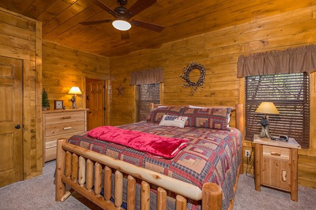 Photo of a Pigeon Forge Cabin named Endless Memories - This is the seventeenth photo in the set.