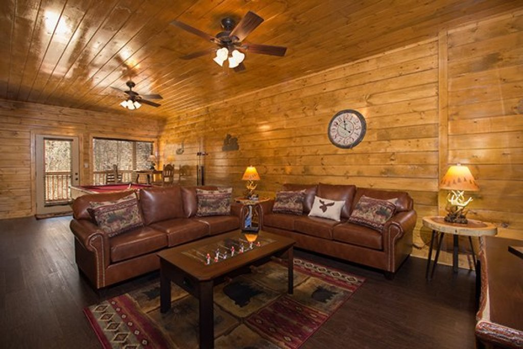 Photo of a Pigeon Forge Cabin named Endless Memories - This is the fourteenth photo in the set.