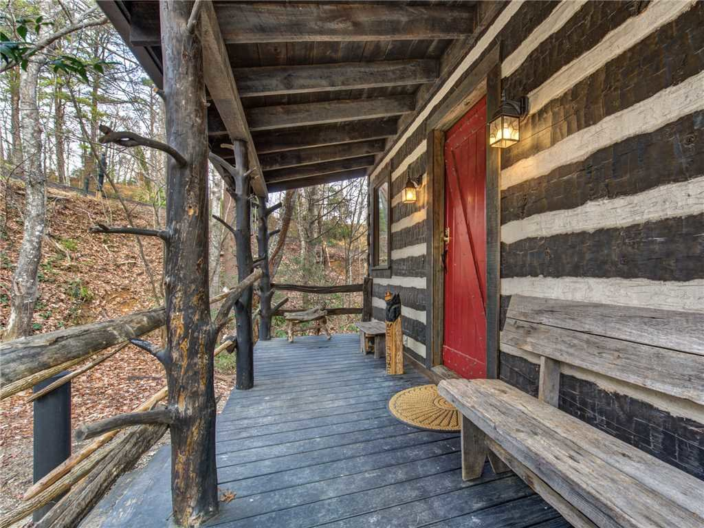 Photo of a Gatlinburg Cabin named Little Bear - This is the twenty-second photo in the set.