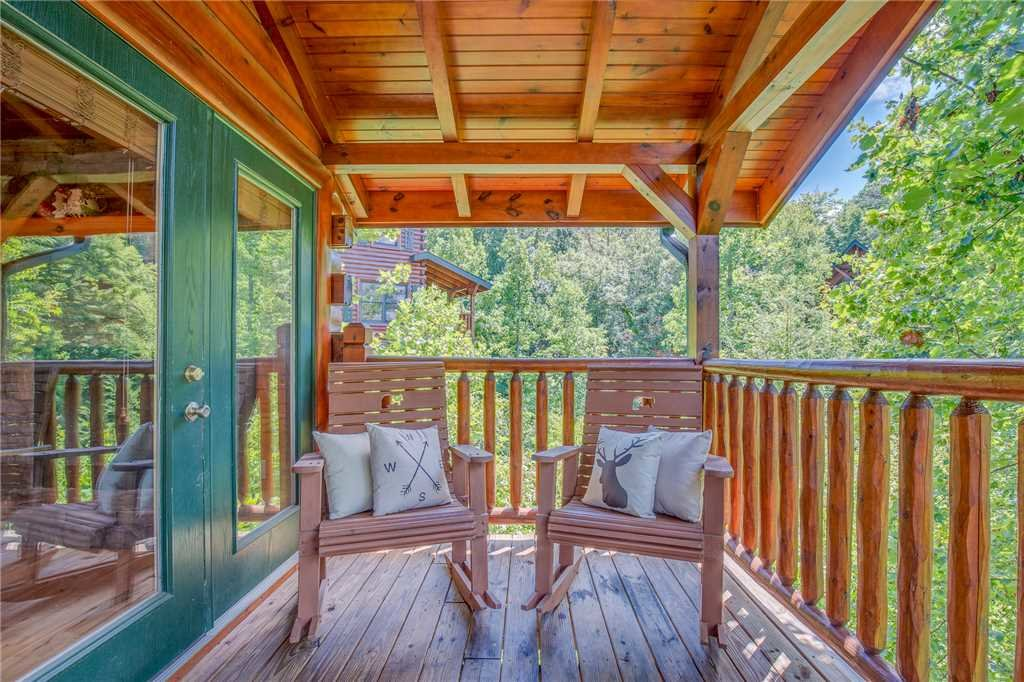 Photo of a Gatlinburg Cabin named Celebration Lodge - This is the twenty-fourth photo in the set.