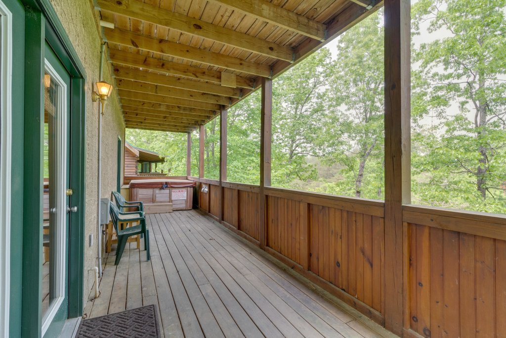 Photo of a Pigeon Forge Cabin named Moose Creek Lodge - This is the second photo in the set.