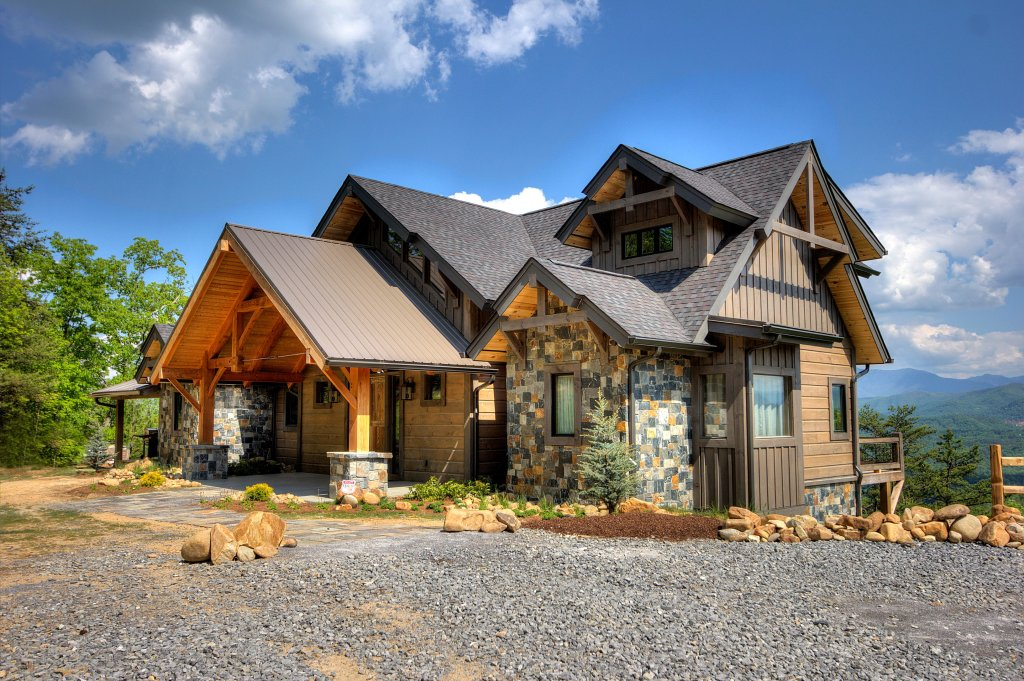 Photo of a Sevierville Cabin named Blackstone Lodge - This is the first photo in the set.