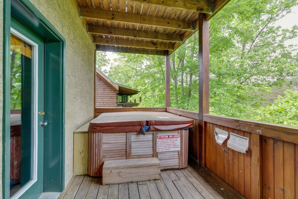 Photo of a Pigeon Forge Cabin named Moose Creek Lodge - This is the third photo in the set.