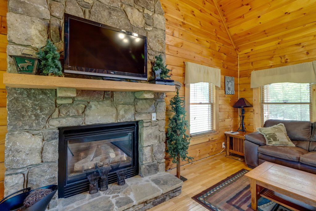 Photo of a Pigeon Forge Cabin named Moose Creek Lodge - This is the sixth photo in the set.