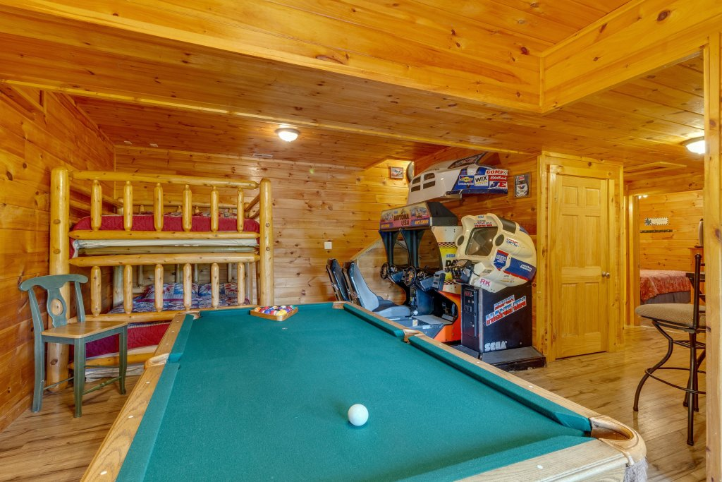 Photo of a Pigeon Forge Cabin named Moose Creek Lodge - This is the thirteenth photo in the set.