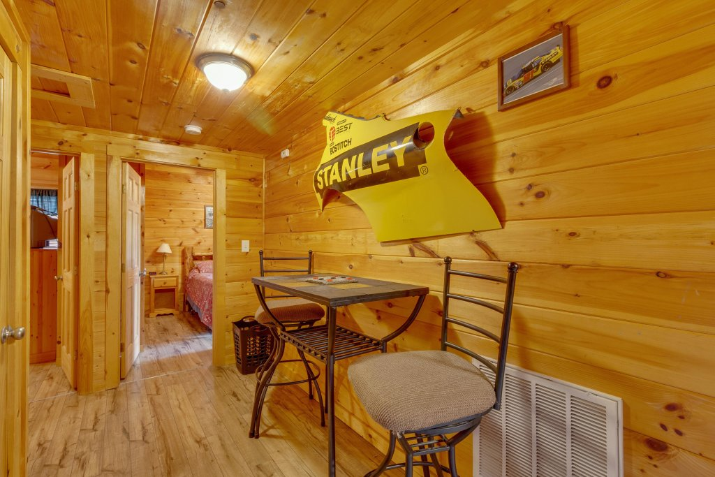Photo of a Pigeon Forge Cabin named Moose Creek Lodge - This is the fifteenth photo in the set.