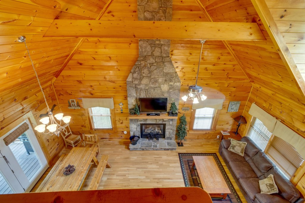 Photo of a Pigeon Forge Cabin named Moose Creek Lodge - This is the sixteenth photo in the set.