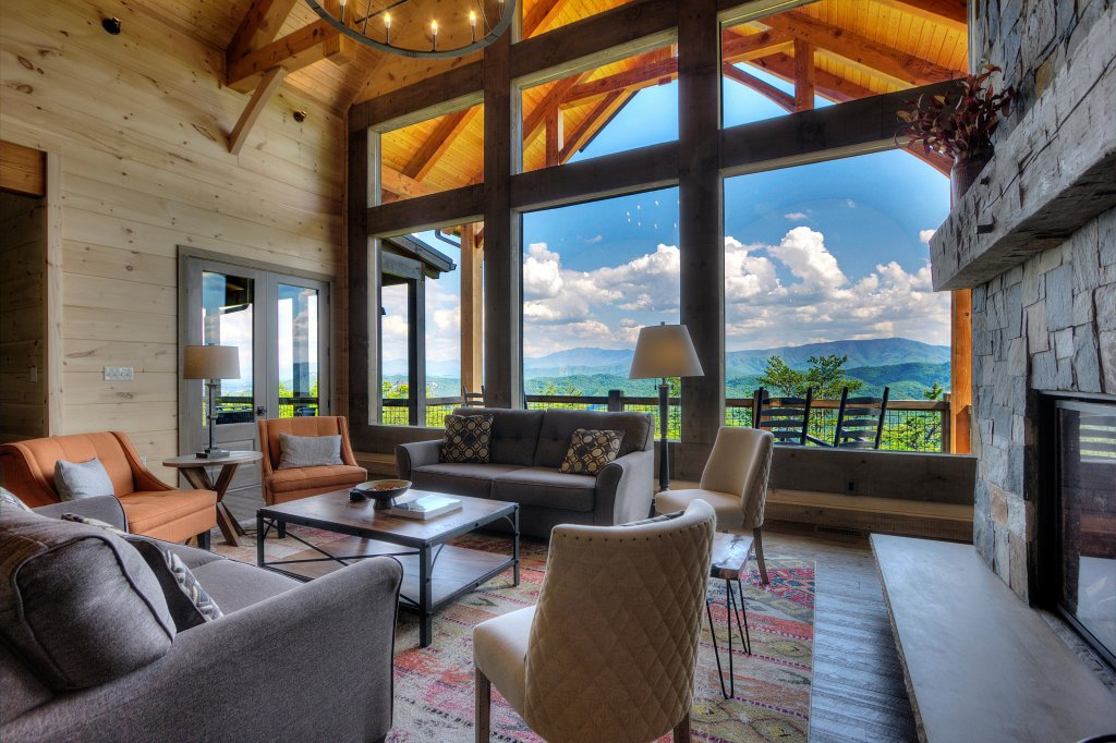Photo of a Sevierville Cabin named Blackstone Lodge - This is the sixteenth photo in the set.