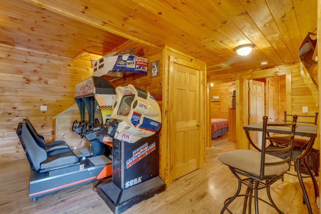 Photo of a Pigeon Forge Cabin named Moose Creek Lodge - This is the fourteenth photo in the set.