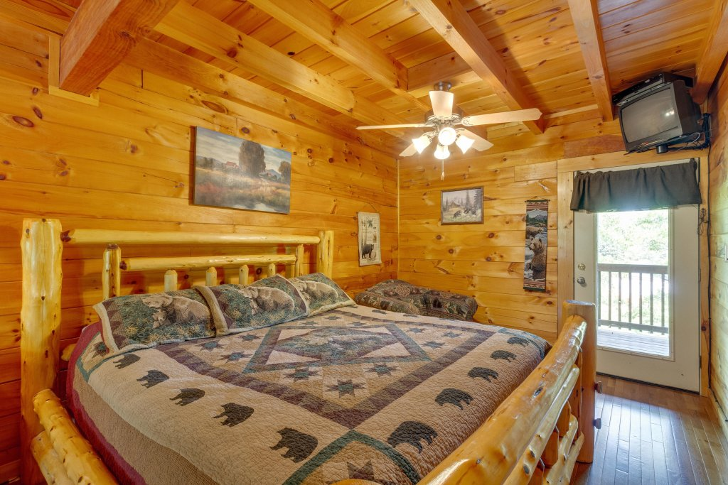 Photo of a Pigeon Forge Cabin named Moose Creek Lodge - This is the thirty-fourth photo in the set.