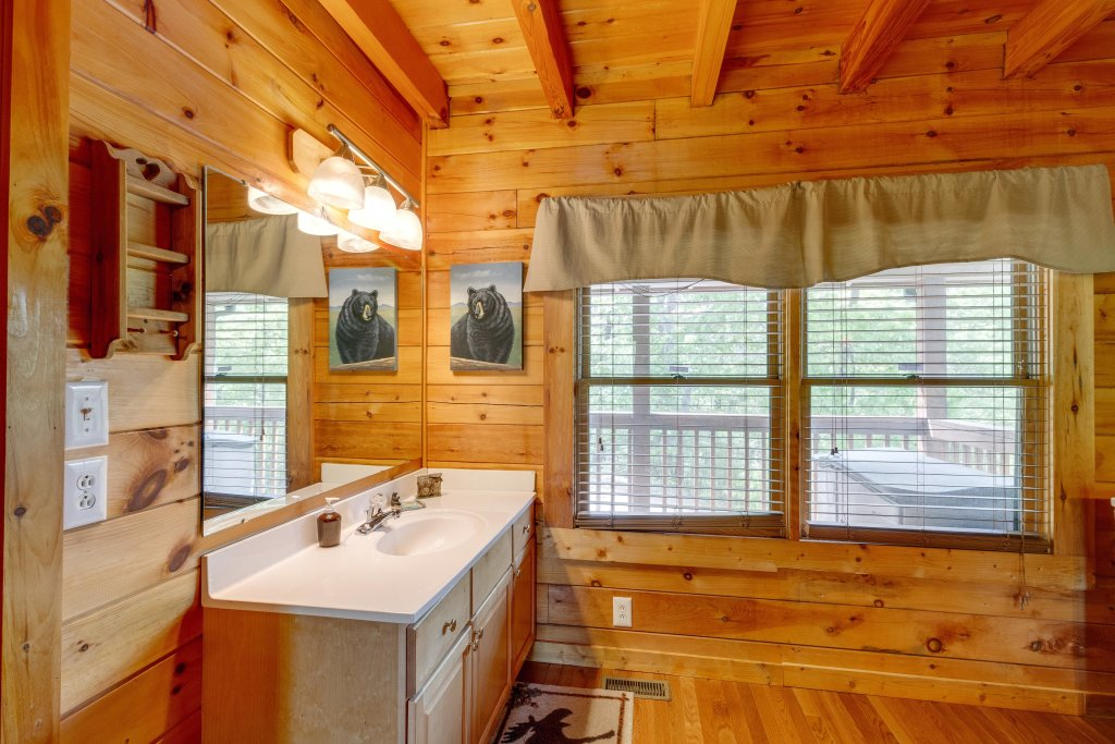 Photo of a Pigeon Forge Cabin named Moose Creek Lodge - This is the thirty-second photo in the set.