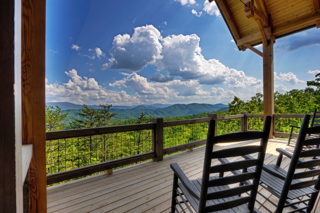 Photo of a Sevierville Cabin named Blackstone Lodge - This is the fortieth photo in the set.