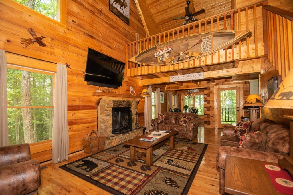 Photo of a Sevierville Cabin named Mountain Splendor - This is the first photo in the set.