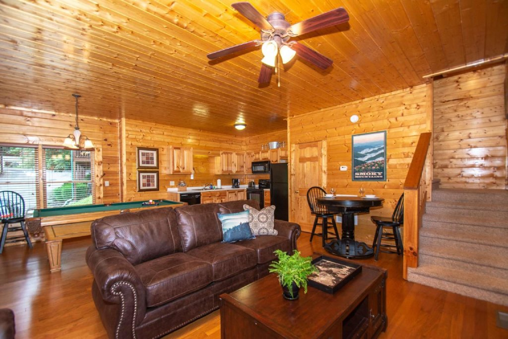 Photo of a Pigeon Forge Cabin named Absolute Dream - This is the eighth photo in the set.