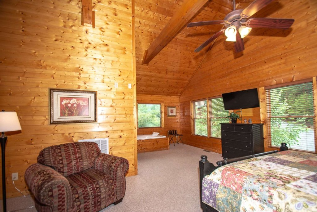 Photo of a Pigeon Forge Cabin named Absolute Dream - This is the eleventh photo in the set.