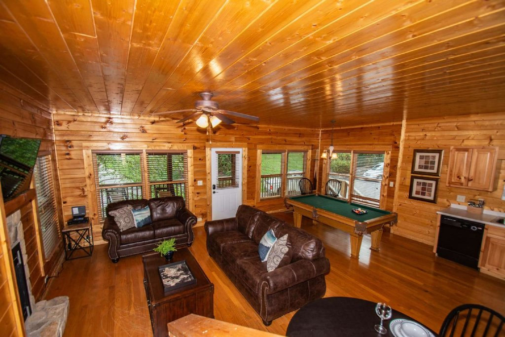 Photo of a Pigeon Forge Cabin named Absolute Dream - This is the thirteenth photo in the set.