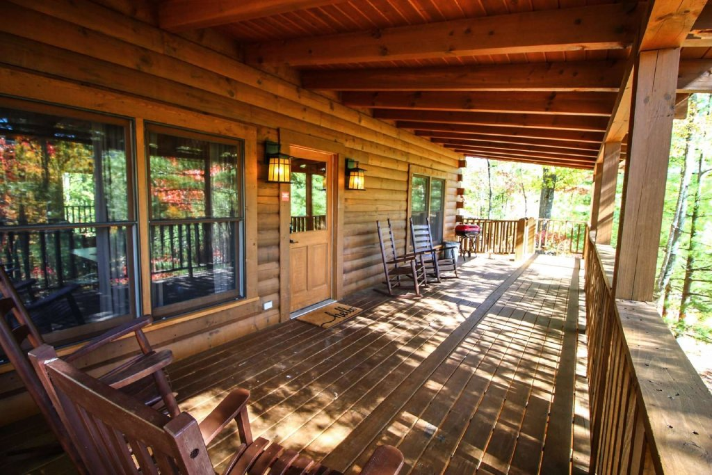 Photo of a Sevierville Cabin named Mountain Splendor - This is the twelfth photo in the set.