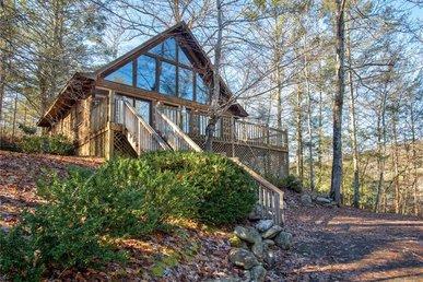 Bear Cave Haus,  2 Bedrooms, Fireplace, Hot Tub, Pool Table, Wifi, Sleeps 8