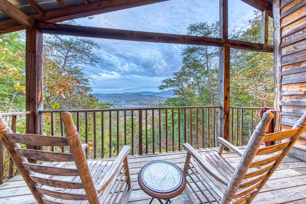 Photo of a Sevierville Cabin named Almost Heaven - This is the first photo in the set.