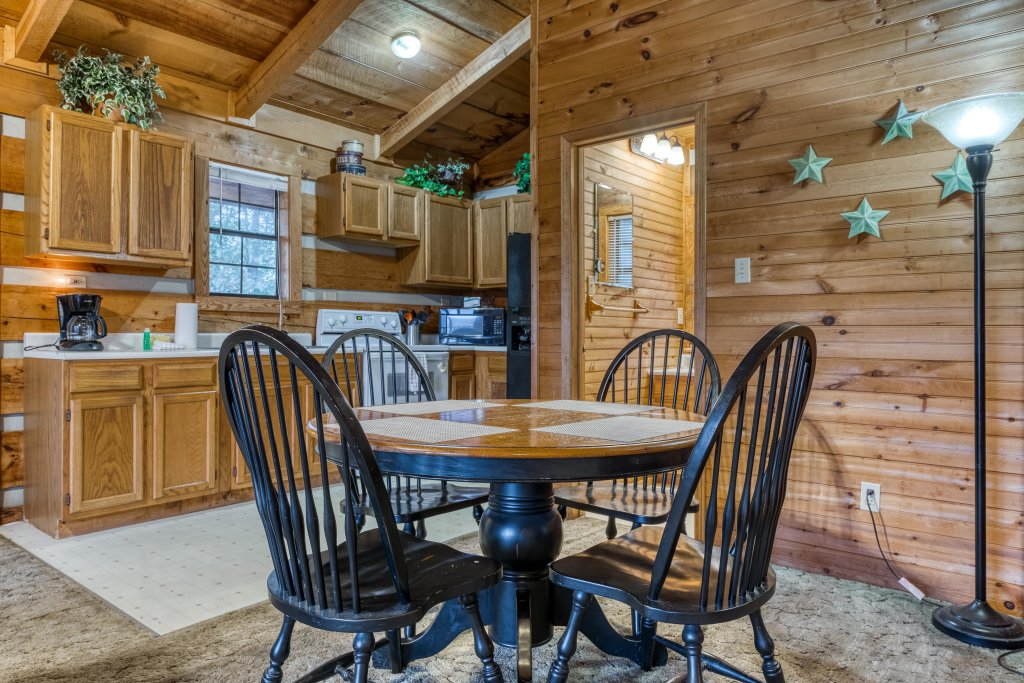 Photo of a Sevierville Cabin named Almost Heaven - This is the ninth photo in the set.