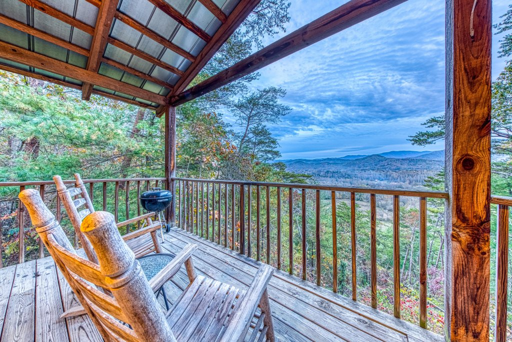 Photo of a Sevierville Cabin named Almost Heaven - This is the nineteenth photo in the set.
